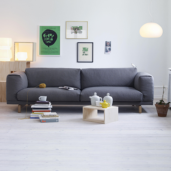 rest sofa 2 seter fra muuto 2rom. Black Bedroom Furniture Sets. Home Design Ideas